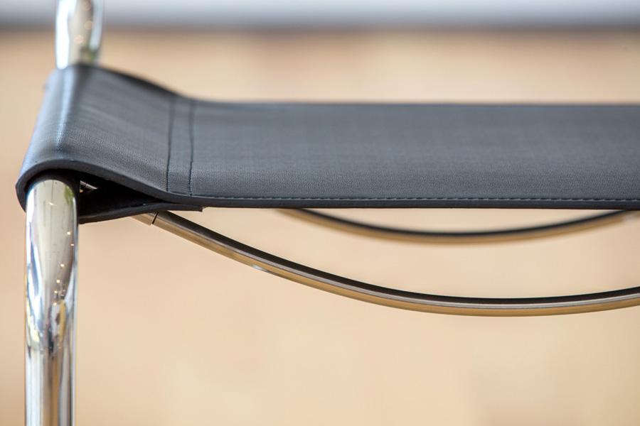 E-comfort カンチレバーチェア | 正面アップ