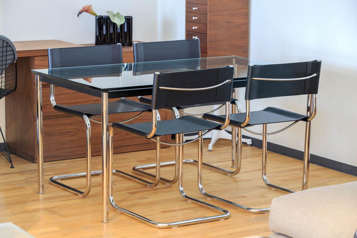 E-comfort カンチレバーチェア | 設置例 LC10ダイニングテーブル との組合わせ