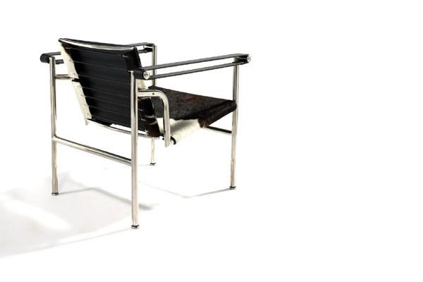 E-comfort LC1 スリングチェア PVCブラック | 斜め後ろ
