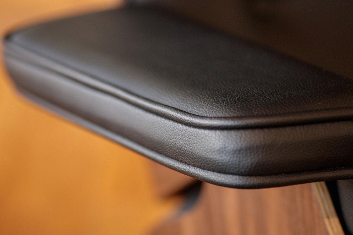 E-comfort 数量限定 公式サイト限定 イームズ ラウンジチェア&オットマン PUレザー | チェアアーム アップ