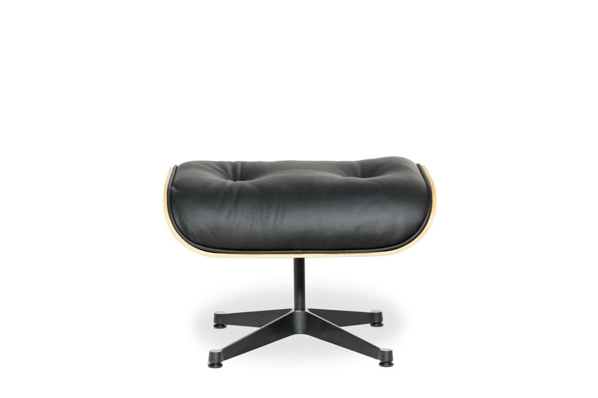 E-comfort イームズ ラウンジチェア&オットマン ウォールナット | 設置例 トリプルXローテーブル との組合わせ
