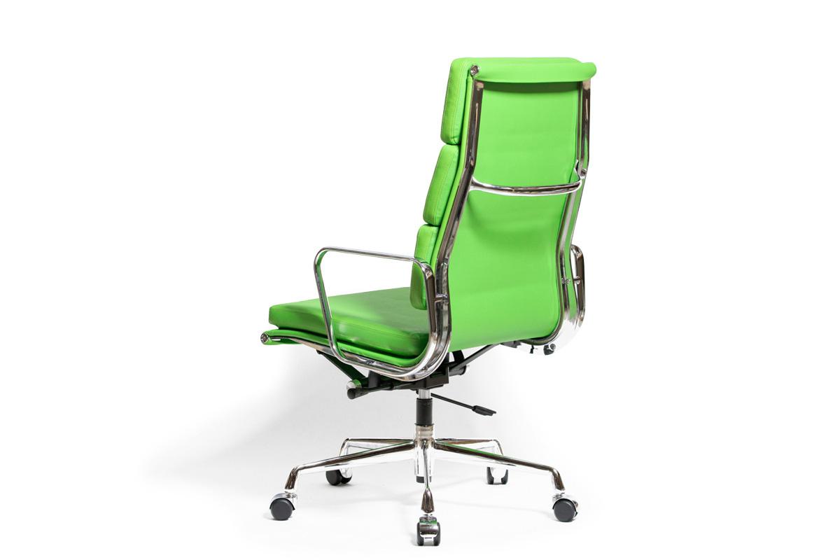 E-comfort アルミナムチェア エグゼクティブチェア ソフトパッド PUレザー /キャスター仕様 | グリーン 斜め後ろ