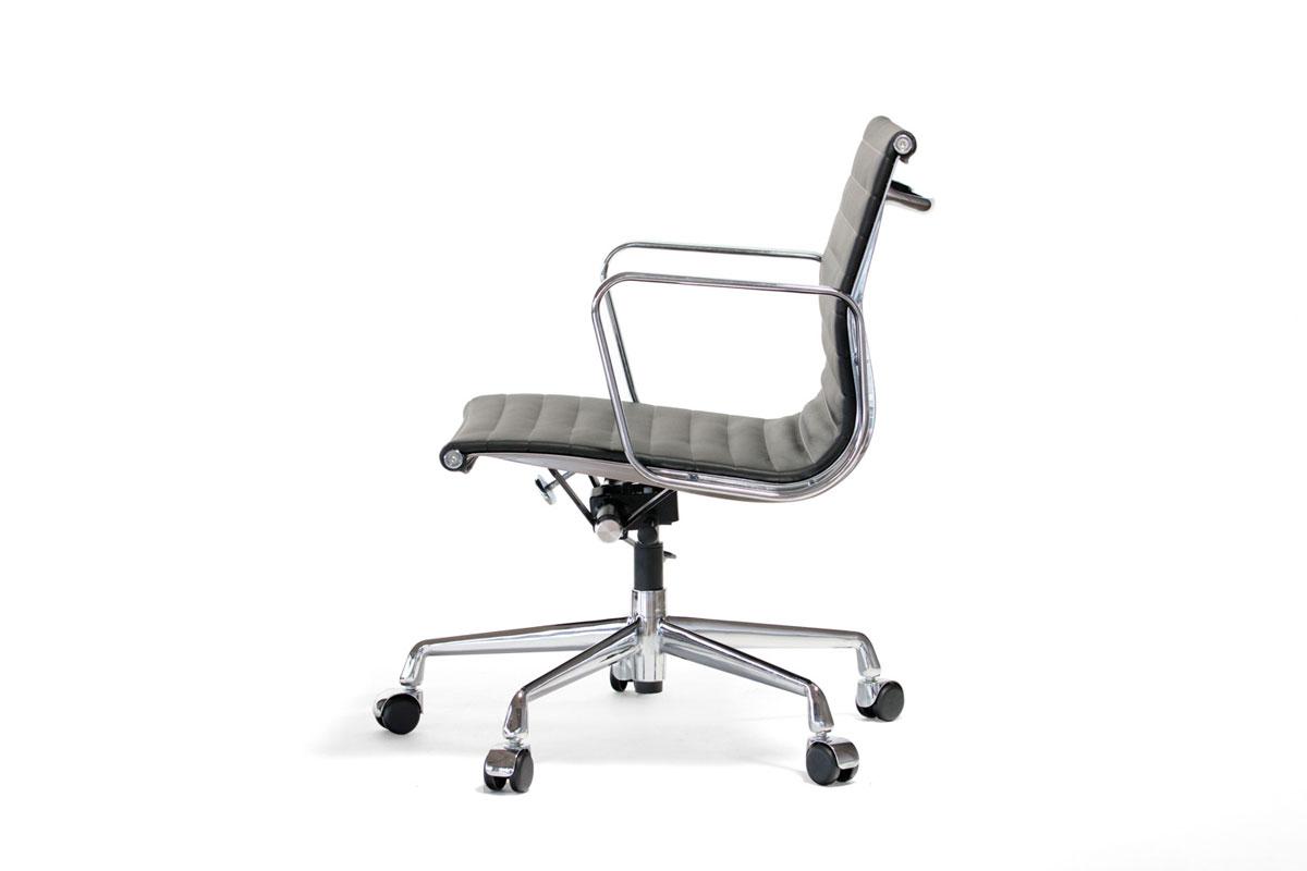 E-comfort アルミナムチェア マネジメントチェア フラットパッド 本革 | レザーブラック 横