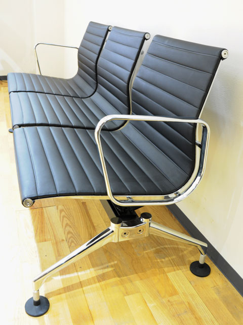 E-comfort アルミナムチェア パブリックベンチ 本革 | 斜め横