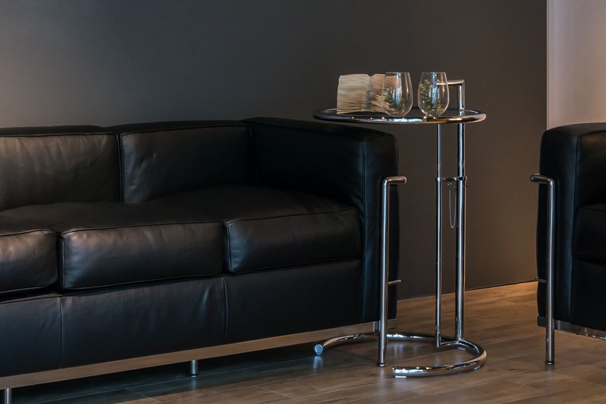 E-comfort E1027 サイドテーブル |