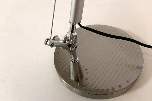 E-comfort トロメオ テーブルランプ | アップ