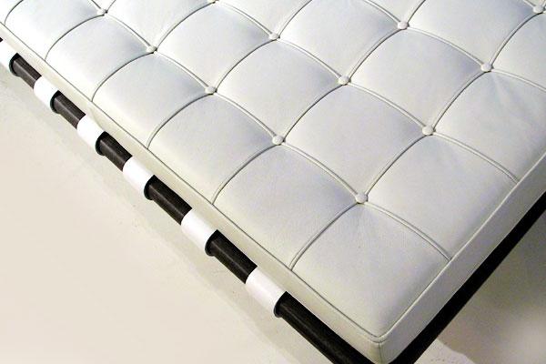E-comfort バルセロナ デイベッド ビーチ ブラック塗装 | アップ