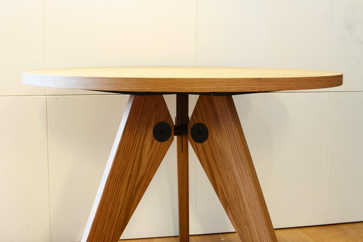 E-comfort ゲリドン テーブル Φ95 オーク | 正面アップ