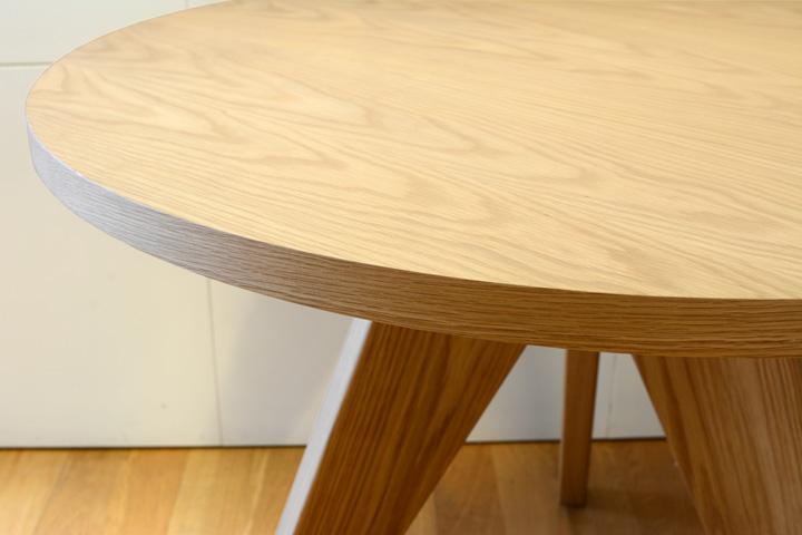 E-comfort ゲリドン テーブル Φ95 オーク | 天板アップ