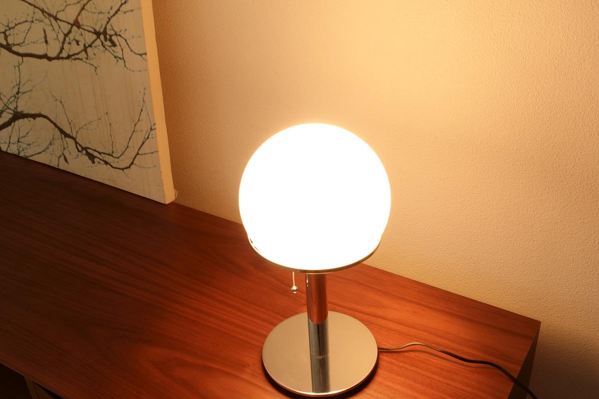 E-comfort WA24 テーブルランプ  