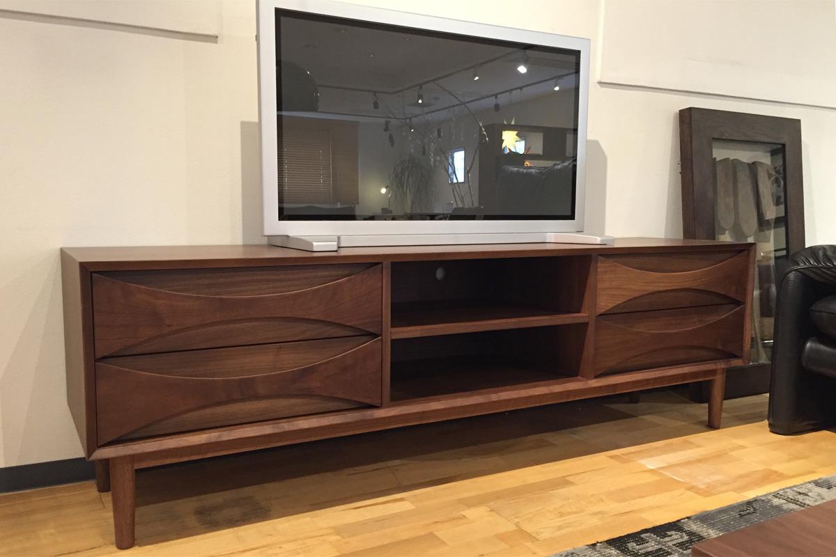 E-comfort アーク TVボード 180cm | 設置例