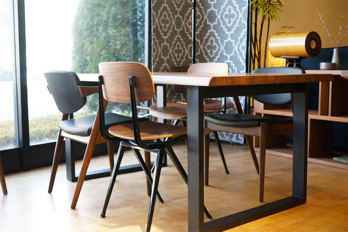 E-comfort ロッテルダム テーブル 160cm オーク ブラウン塗装 | コーディネイト例 ※写真は180cmタイプです
