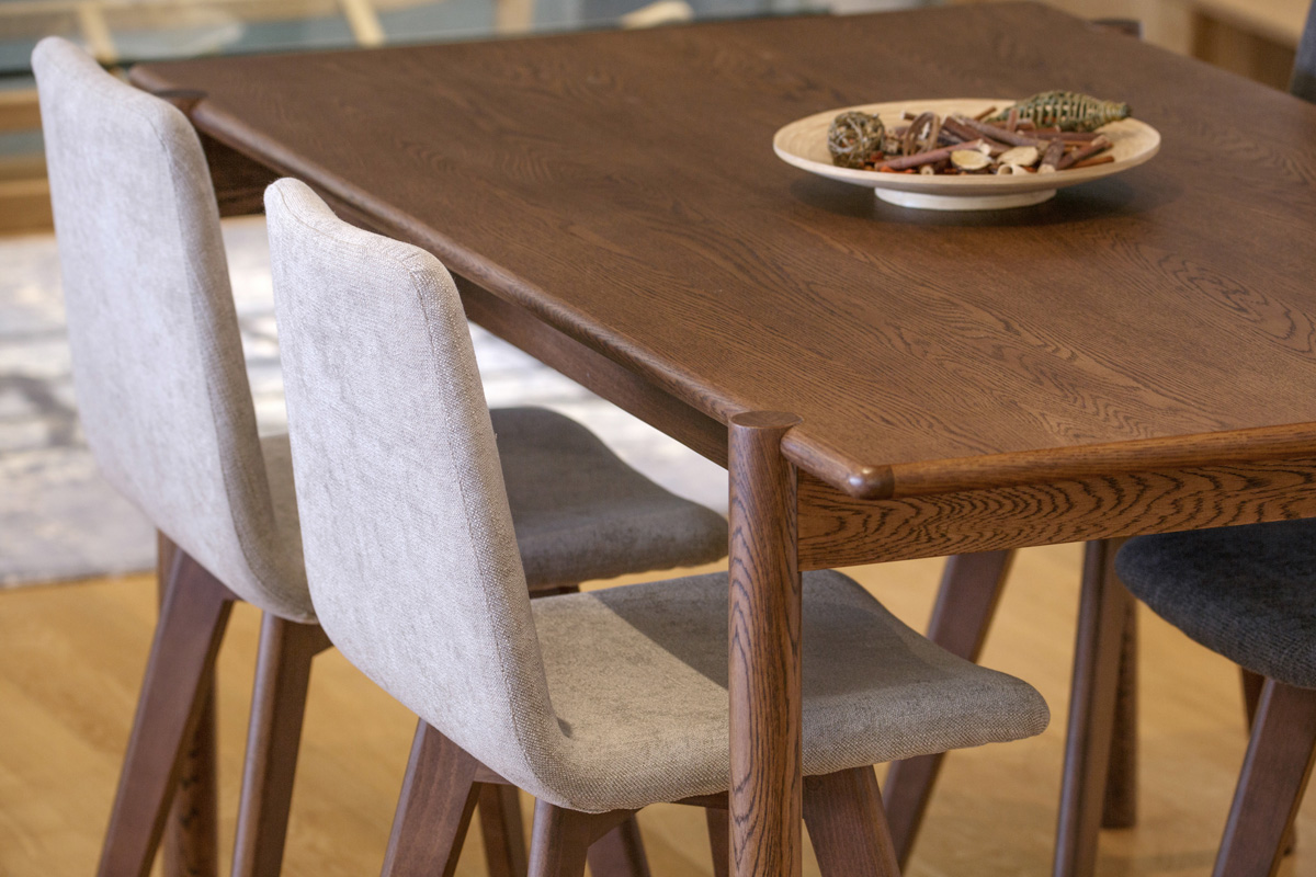 E-comfort ダイニングテーブル[4点セット] アンドラ丸脚ダイニングテーブルw160ブラウン +マーズチェアK503+アンドラ丸脚ベンチ |