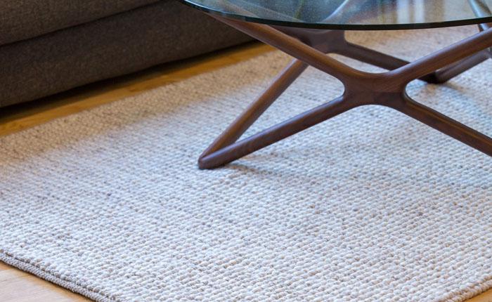 E-comfort ドルシィー 230x160cm ベージュ | 設置例 トリプルXローテーブル との組合わせ