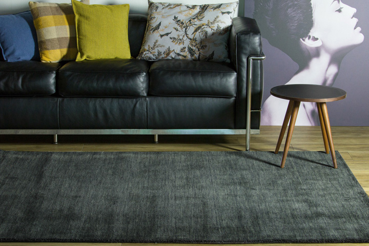 E-comfort 手織りウールラグ ルリバフ プレーン 200x140cm グレー