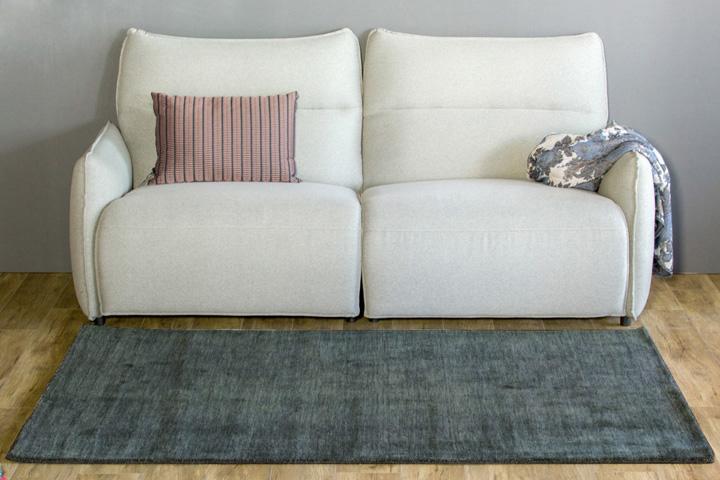 E-comfort 手織りウールラグ ルリバフ プレーン 200x140cm グレー | 正面