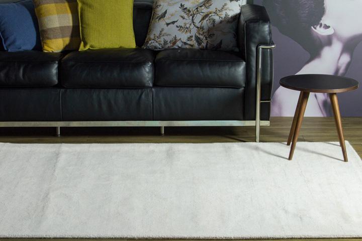 E-comfort 手織りウールラグ ルリバフ プレーン 230x160cm アイボリー