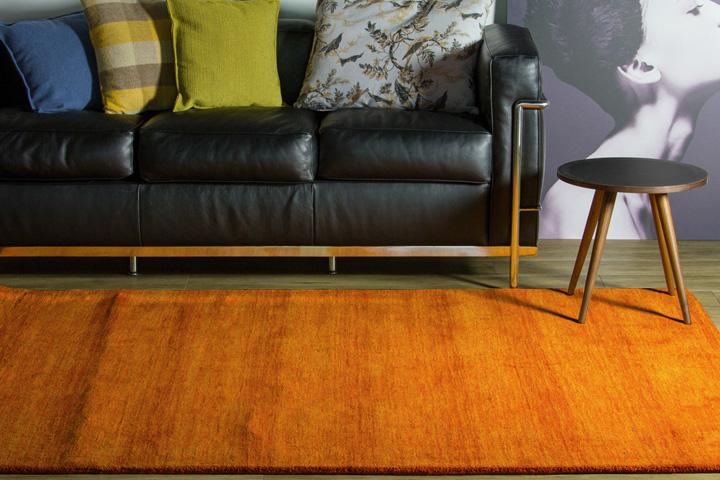 E-comfort 手織りウールラグ ルリバフ プレーン 200x140cm オレンジ