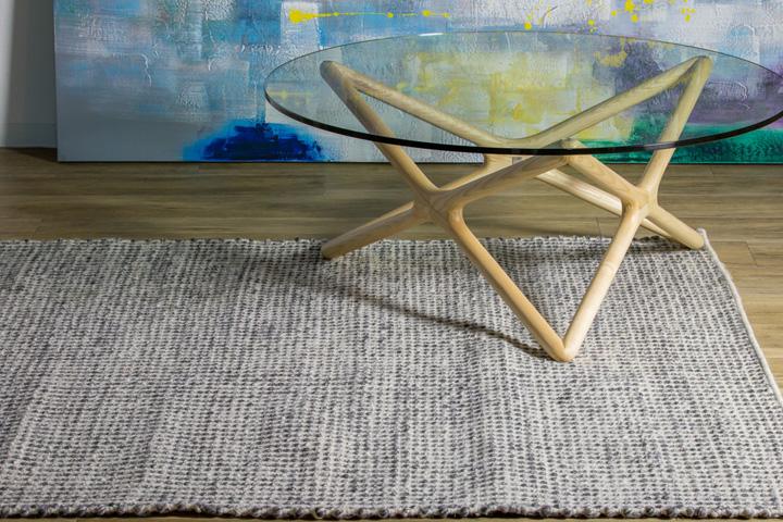 E-comfort 手織り リバーシブル キリム シルキーポルカドット 200x140cm デニムアイボリー | 設置例 トリプルXローテーブル との組合わせ