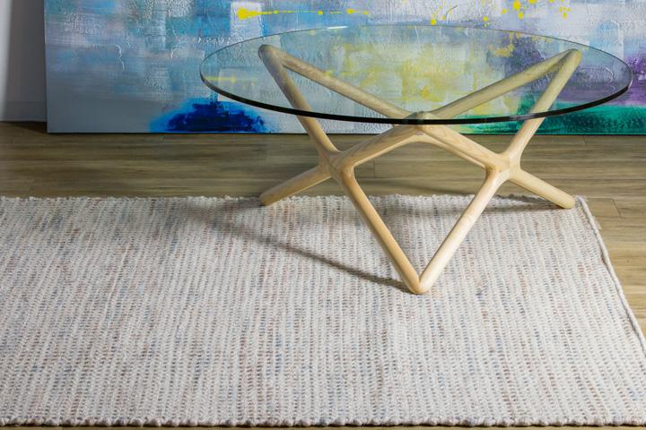 E-comfort 手織り リバーシブル キリム シルキーポルカドット 200x140cm ローズ   設置例 トリプルXローテーブル との組合わせ