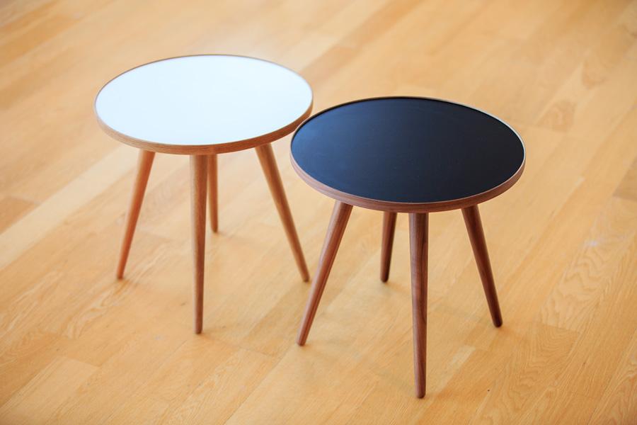 E-comfort SPUTNIK サイドテーブル A オーク | 斜め上