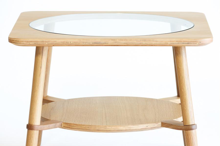 E-comfort カットアウト ローテーブル A オーク | 正面アップ