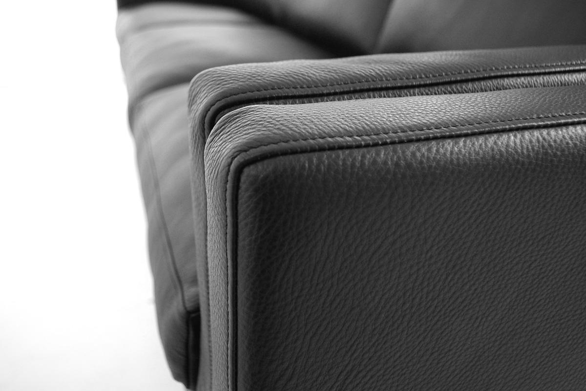 E-comfort ダブルクッション ソファ 3人掛け | 肘掛けアップ