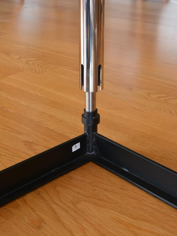 E-comfort LC10 ダイニングテーブル 140cm | 接続部アップ